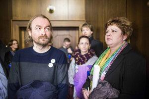 Do parlamentu prišli aj zástupcovia učiteľov a sestier.