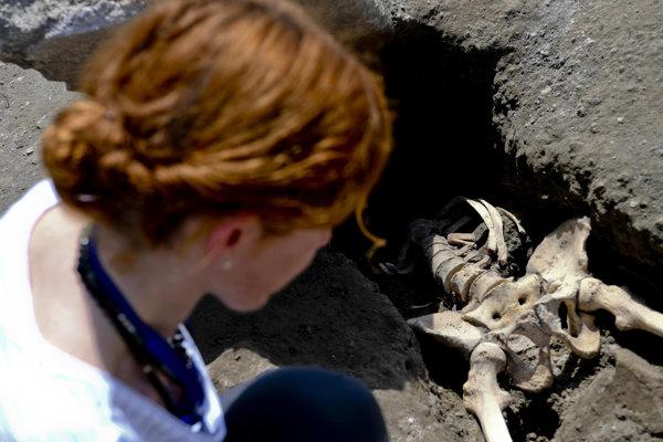 Mužovu lebku ešte archeológovia nenašli.