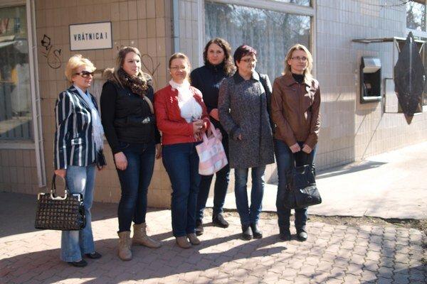 Časť nemocničných sestier Fakultnej nemocnici s poliklinikou Žilina, ktoré podali výpoveď už minulý týždeň.