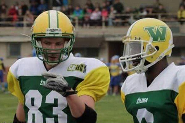 Hrdinovia zápasu: zľava: J. Dubeň, vedľa neho J. Thompson.