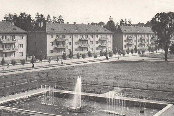 Na podnet strojárni sa v Martine stavali aj byty - vtedajšia ulica Dukelských hrdinov.