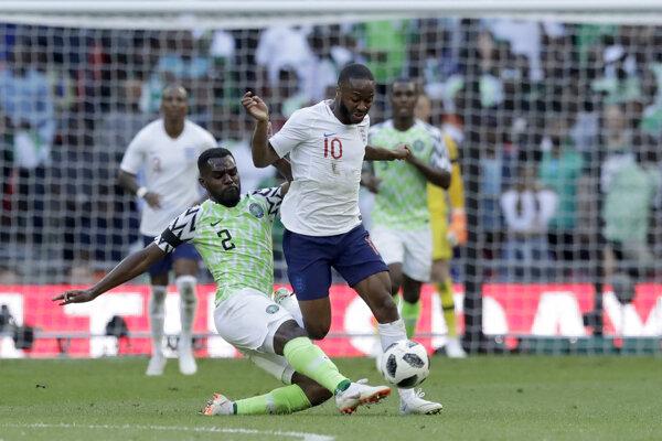 Raheem Sterling (vpravo) odohral proti Nigérii 73 minút.