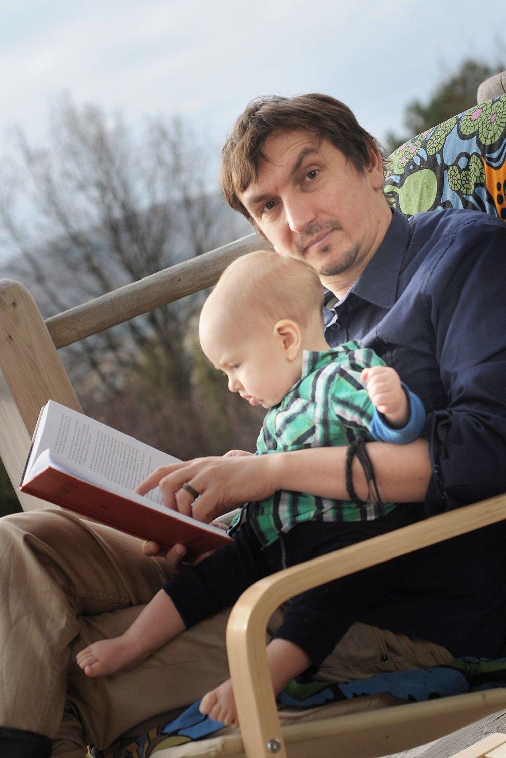 Juraj Hipš so svojím malým synom Yorim.