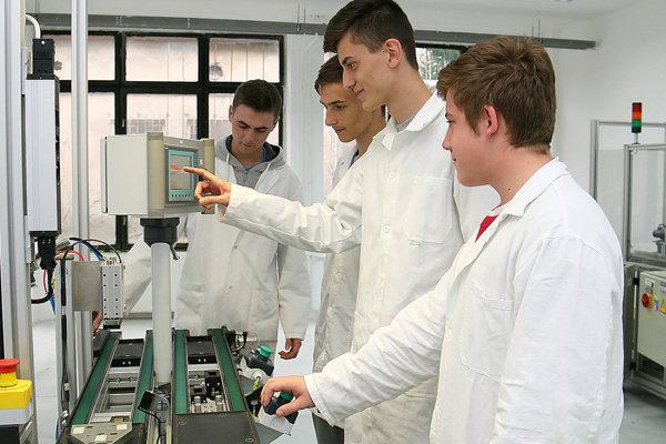 Príprava žiakov na priemyselných výrobných linkách