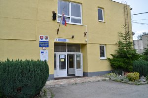 Obchodná akadémia v Rožňave.
