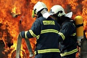 Pri požiari vznikla predbežne škoda 45-tisíc eur.