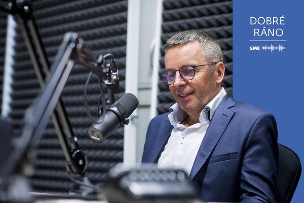 Ivan Mikloš v podcastovom štúdiu denníka SME.