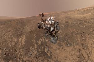 Sonda Curiosity zistila, že dávny Mars mohol mať správne chemické zloženie pre podporu mikrobiálneho života. Objavila zlúčeniny uhlíka, vodíka, kyslíka, fosforu a síry, čo sú kľúčové zložky pre vznik života.