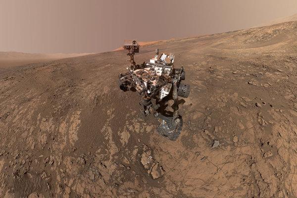 Sonda Curiosity našla nezvratný dôkaz o organickcýh zlúčeninách v starodávnej hornine z Marsu.