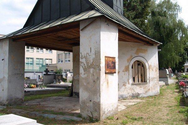 Zničená kaplnka.