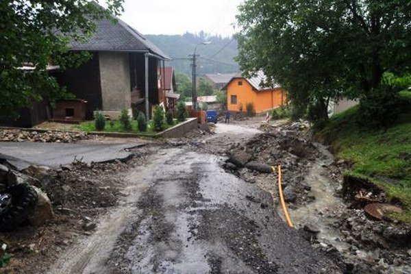 Škody v Považskom Chlmci.