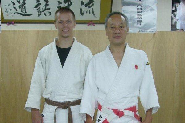 Matej Mariniak s trénerom Suzukim.