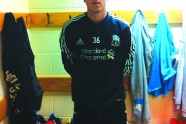 Dominik Holec v šatni FC Liverpool.