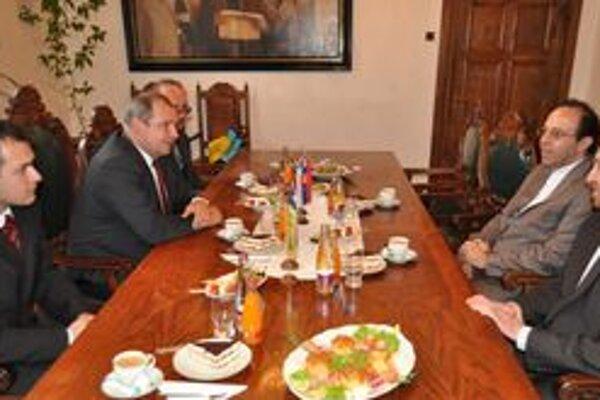 Iránskych diplomatov prijal žilinský primátor Igor Choma.