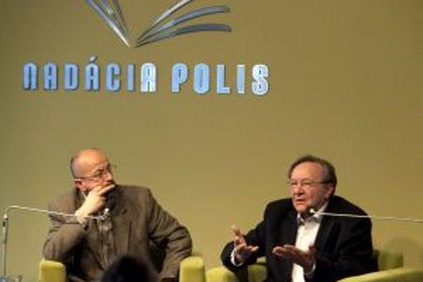 Štefan Markuš (vpravo) v Nadácii Polis.