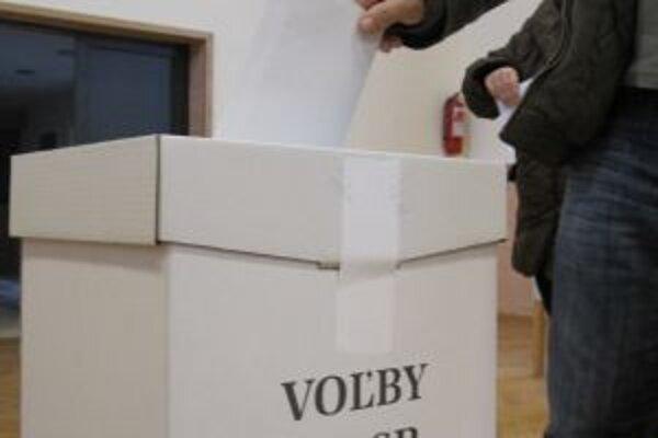 K volebným urnám sa dostavilo rekordne veľa voličov. V okrese Bytča najviac na Slovensku.