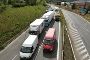 Kolóny trápia vodičov vo Zvolene najmä na ceste v smere na Lučenec.