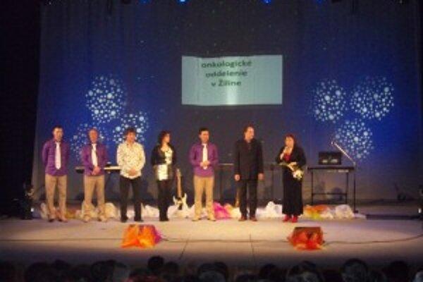 Na koncerte vystúpila aj Kortina. Pre pacientov vyzbierali  organizátori 1 820 eur.