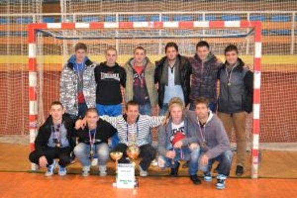 Stredoškoláci z Liptovského Mikuláša zvíťazili v malom futbale.