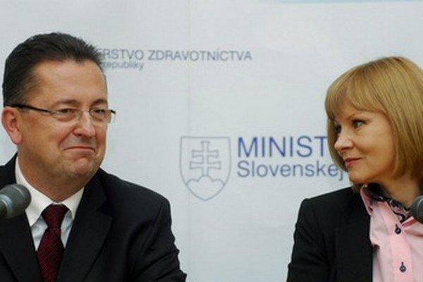 Minister obrany a ministerka zdravotníctva.