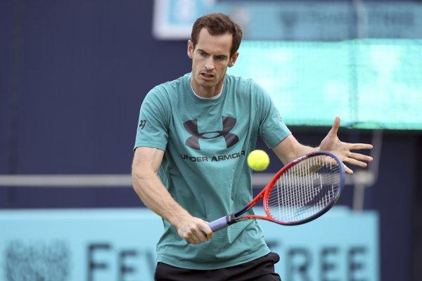 Andy Murray sa po roku vráti d súťažného diania.