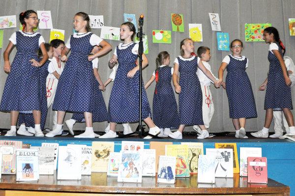 Vystúpenie detského folklórneho súboru Kohútik.