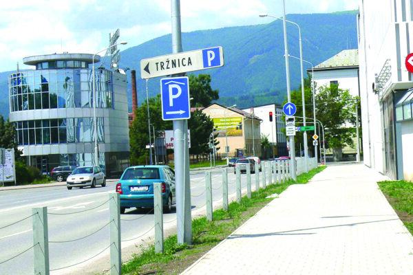 Jednou znových investícii bude aj vybudovanie plota na Kohútovej ulici popri OC Galéria.