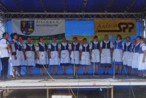 Závadské ženy, spievajú originálne piesne svojich prastarých rodičov.