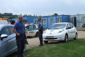 Na situáciu dohliada mestská aj štátna polícia.