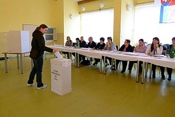 Voľby v Beluši.
