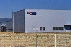 Mobis prišiel na Slovensko spolu s Kiou a k dnešnému dňu zamestnáva okolo 1 200 zamestnancov.
