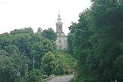 Pohľad na obec Senohrad.