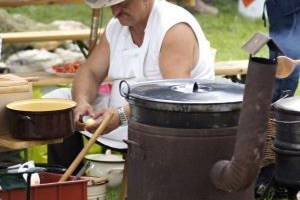 Tridsať družstiev varilo v sobotu v Čičmanoch guláš.