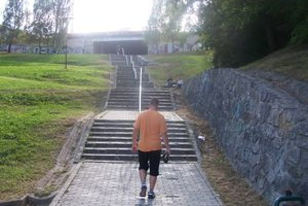 Problémové schody na Hájiku.