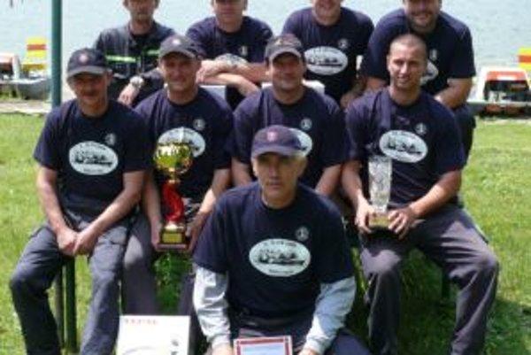 Členmi víťazného družstva boli Ondrej Blahušiak, Ľubomír Bucko, Dalibor Machovčák, Daniel Ustaník, Branislav Odváha, Ivan Lokaj, Miloš Belavý a Zdeno Gašparík.