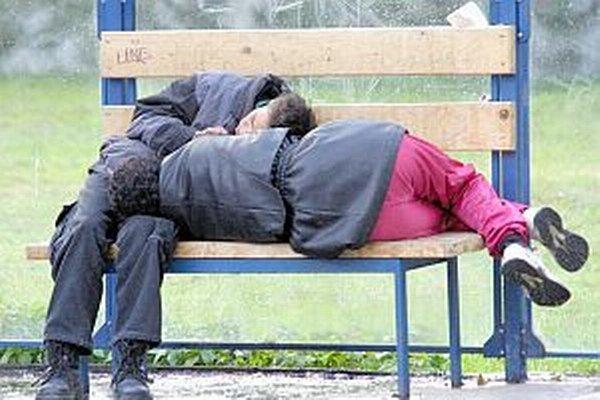 Ľudia bez domova môžu pri hľadaní východiska reagovať aj skratovo.