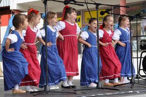 Vlaňajšie vystúpenie detí z Dlhej nad Oravou na domácom festivale.