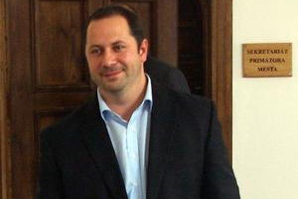 Michal Horecký mal po hlasovaní dôvod na úsmev. Zostáva na poste viceprimátora.