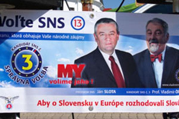 Pri voľbách do europarlamentu si SNS pomohla ukradnutým logom novín siete MY.