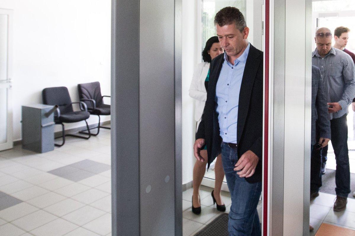 Súd označil postup polície za amatérsky. Exšéfa vojenských tajných oslobodil - domov.sme.sk