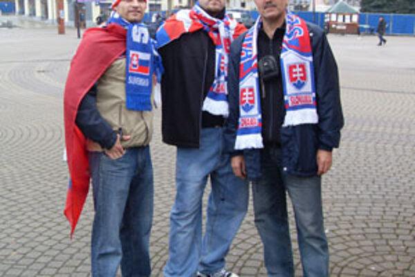 Dvaja z týchto fanúšikov prišli do Žiliny z Bratislavy a jeden z Dolného Kubína.