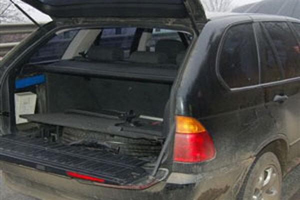 V BMW X5 našli policajti lup.