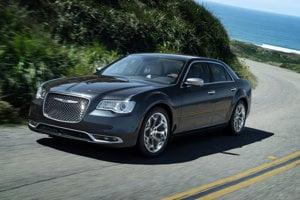 Služobné auto si guvernér Portorika vyberá z tých, ktoré vláda zhabe kriminálnikom. Aktuálne je to Chrysler 300.