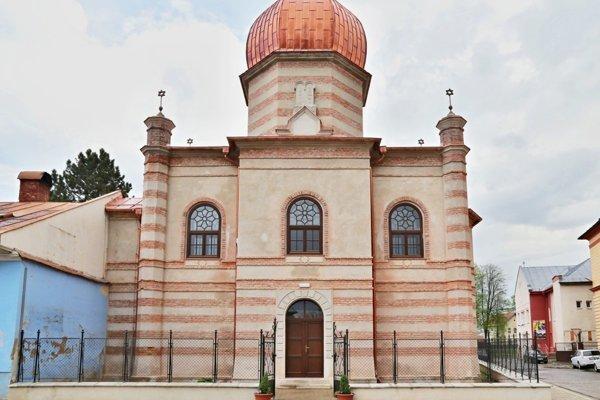 Poslanci dnes zasadali v breznianskej synagóge.