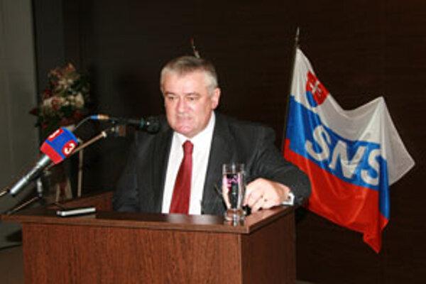 Ján Slota počas prejavu na nedávnom sneme SNS v Žiline.