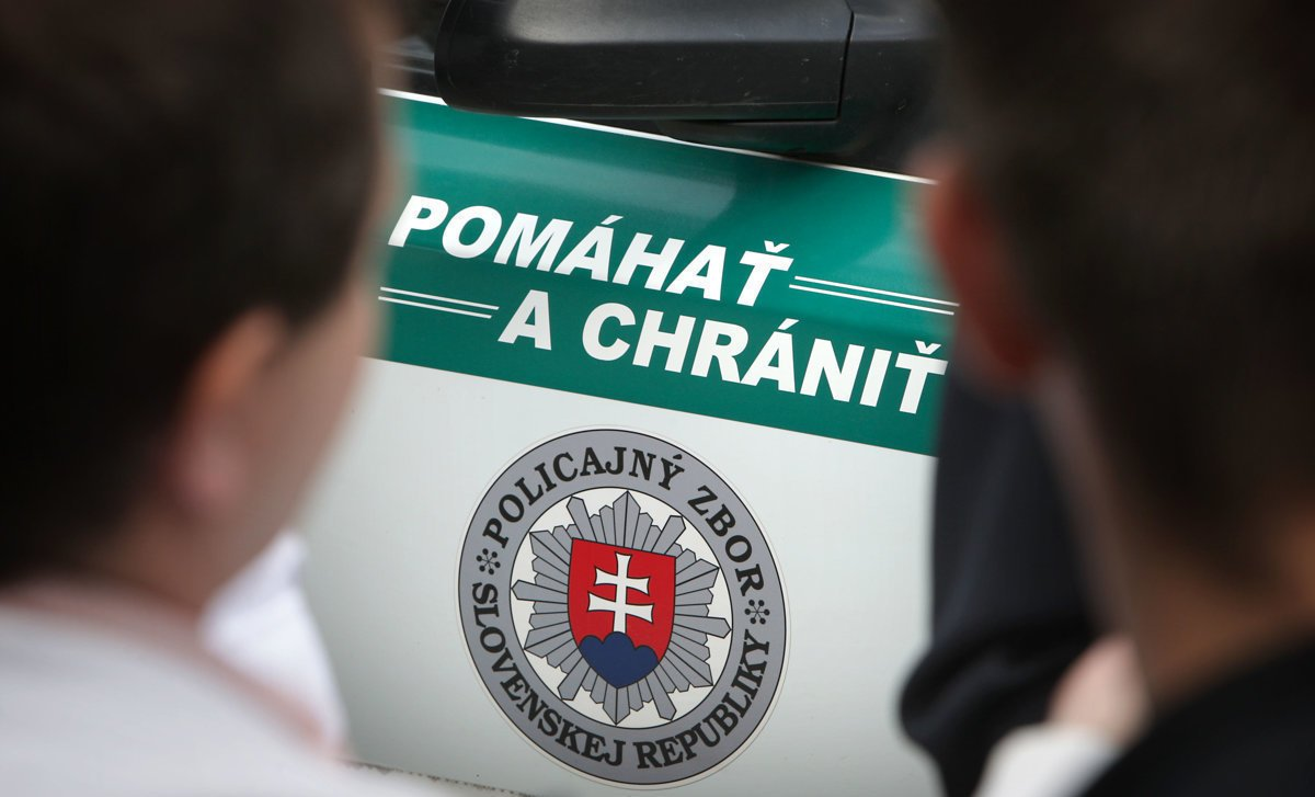 Obžalovaný expolicajt žiada o presun svojho prípadu na iný súd - domov.sme.sk