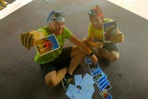 Zľava Matej Fabšík a Marián Grofčík sú aktuálne na expedícii v Indii.