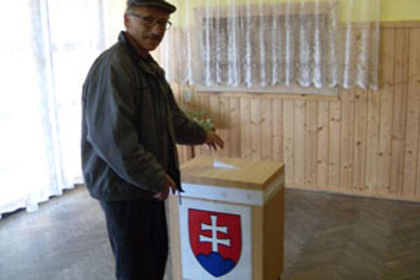 Dnes si volia občania starostu v Jablonovom a Kotrčinej Lúčke.