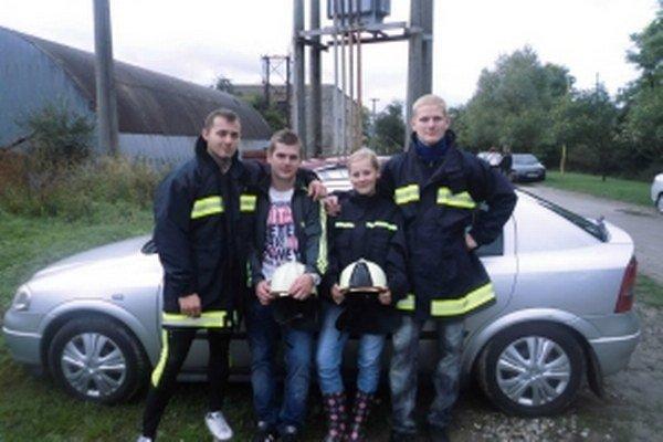 Zastúpenie Mikušoviec. Zľava: Ján Jágrik, Vladimír Behan, Ľuboslava Bučková, Martin Behan