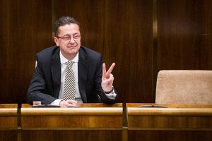Martin Glváč (Smer) si pripísal vlani na konto apartmán v Chorvátsku. Okrem iného investuje aj do kryptomien či drahých kovov.
